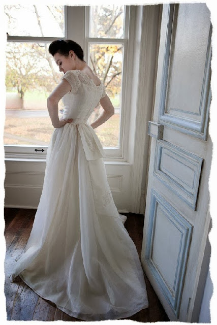 Original vintage wedding dress, c. HVB vintage wedding blog 2013