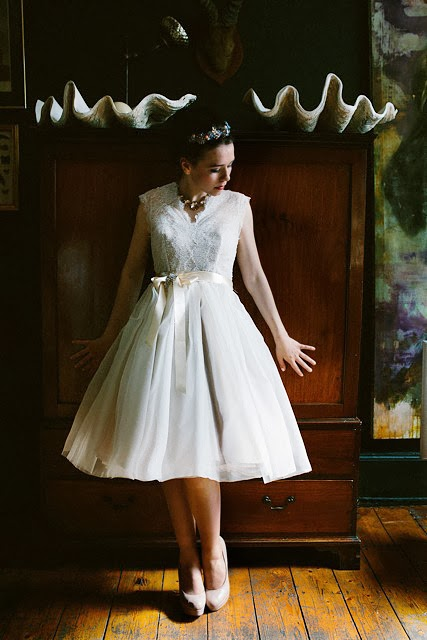 Full length pic of model in Chantilly vintage-inspired wedding dress