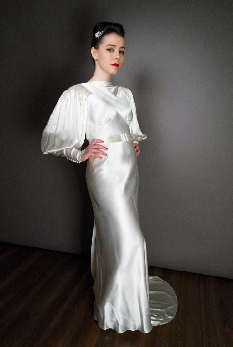 1930s vintage wedding dresses a guide to the decade of for White silk slip wedding dress