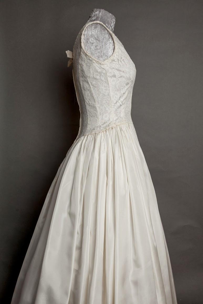 1950s vintage lace wedding dresses c Heavenly Vintage Brides. Emma Domb sleeveless dress.