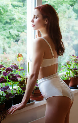 HVB vintage wedding blog - Heavenly Recommends luxury lingerie by Rose Fulbright
