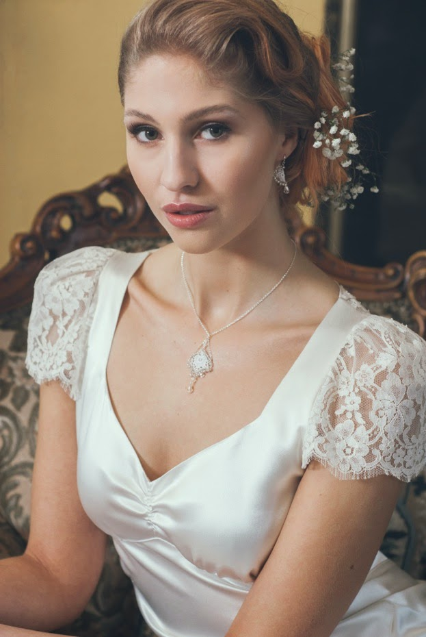 Vintage Wedding Dresses And Vintage Inspired Jewellery