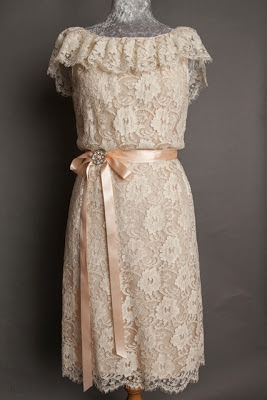 A guide to vintage lace wedding dresses, full length image of late 1950s lace wedding dress with satin ribbon tie