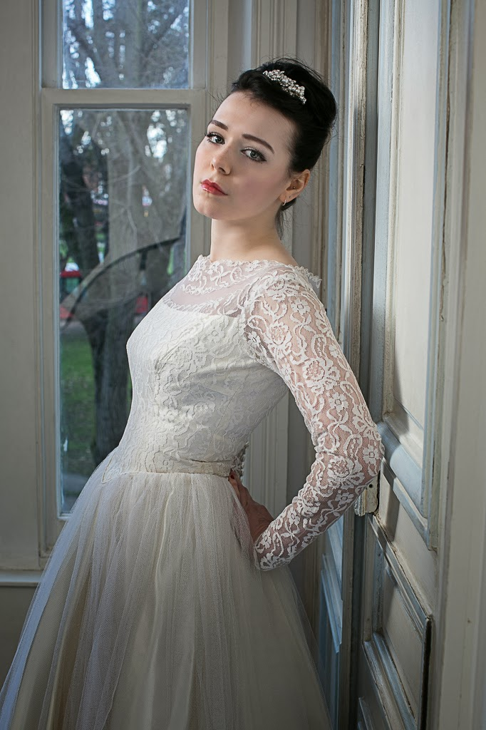 1950s lace wedding dresses, original long sleeved dress with tulle skirt