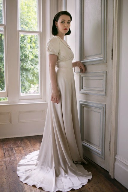 A 1940s style vintage wedding dress for a cool spring day for Wedding dress 30s style