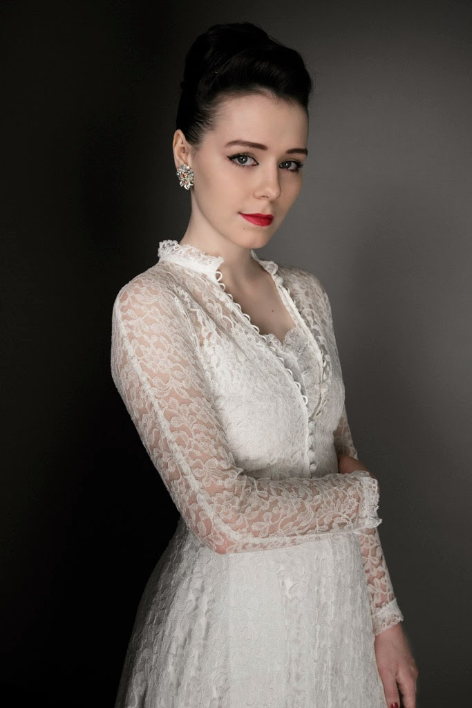 1940s lace wedding dress and jacket - what a darling! - Heavenly ...