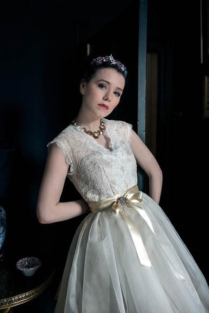 Lace vintage-inspired wedding dress c. HVB vintage wedding blog 2013